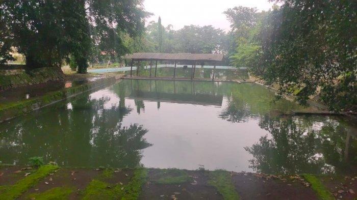 Kolam renang Sang Raja di Kelurahan Cigasong, Kecamatan Cigasong, Kabupaten Majalengka