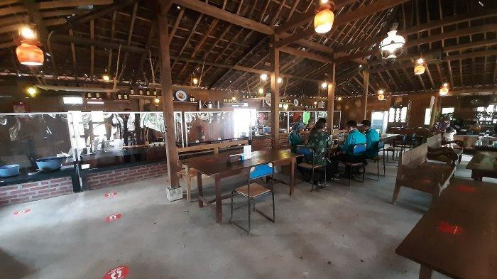 Suasana Kopi Montong di Kawasan Kota Baru Keandra, Jalan Nyi Ageng Serang, Kecamatan Dukupuntang, Kabupaten Cirebon.