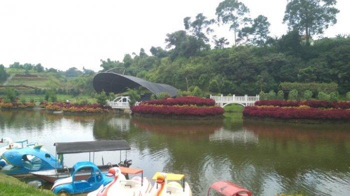 Objek wisata Lembah Dewata di Jalan Raya Tangkuban Parahu, Lembang, Kabupaten Bandung Barat