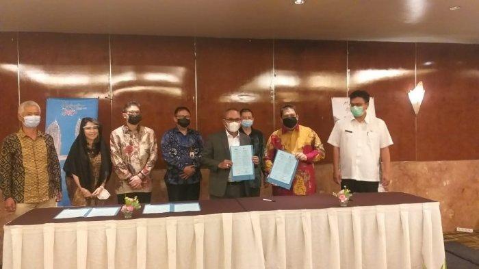 Malaysia dan Jawa Barat mempererat kerja sama di bidang promosi pariwisata melalui penandatanganan nota kesepahaman (MoU) antara Jaswita Jabar dengan Tourism Malaysia, di Grand Hotel Preanger, Kota Bandung, Rabu (7/4/2021)