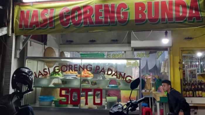 Tampak depan kedai Nasi Goreng Bunda di Jalan Cikutra Barat No 112, Kota Bandung