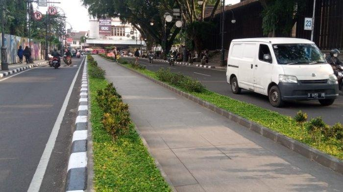 Palestine Walk di dekat Jalan Asia Afrika, Alun-alun Kota Bandung