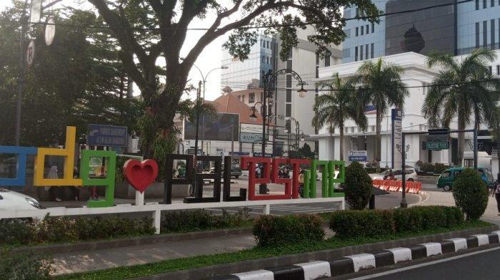 Palestine Walk di sekitar Alun-alun Kota Bandung