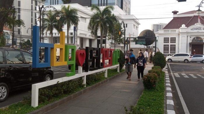 Ngabuburit Asyik dan Gratis Menyusuri Palestine Walk di Kawasan Alun-alun Kota Bandung