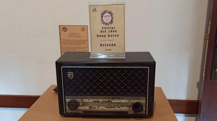 Radio Philips BIN 206 U Bung Karno yang berasal dari Belanda tahun 1950