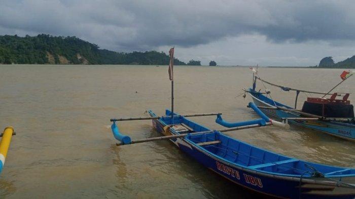 Pantai Palatar Agung di Dusun Ciawitali, Desa Pamotan, Kecamatan Kalipucang, Kabupaten Pangandaran