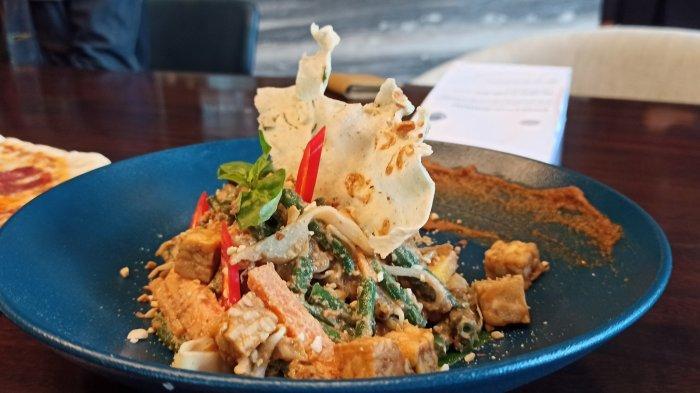 menu lotek di Sadrasa Kitchen & Bar