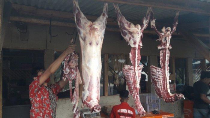 Sate Leces Gaul di Jalan Simpang-Parakan Muncang, Desa Raharja, Kecamatan Tanjungsari, Kabupaten Sumedang