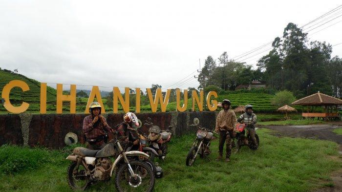 Situ Cihaniwung di Desa Santosa, Kecamatan Kertasari, Kabupaten Bandung