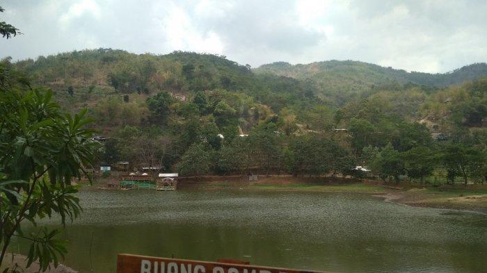 Situ Sipatahunan di Kabupaten Bandung