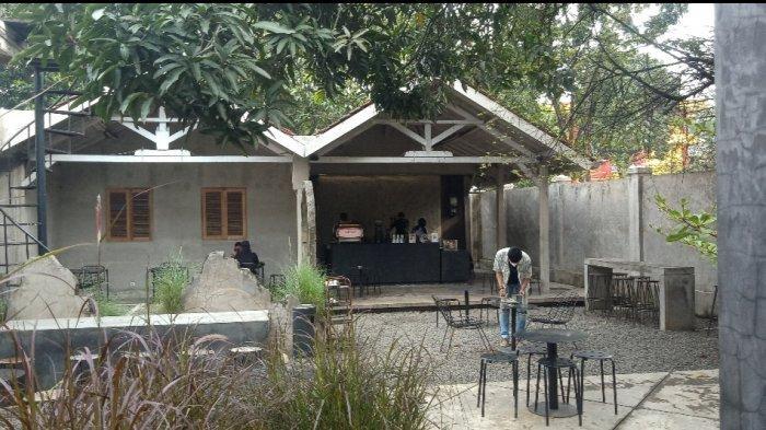 Kafe Sederhana Nan Artistik Tanpa Banyak Menu Makanan yang Asyik untuk Nongkrong dan Ngopi