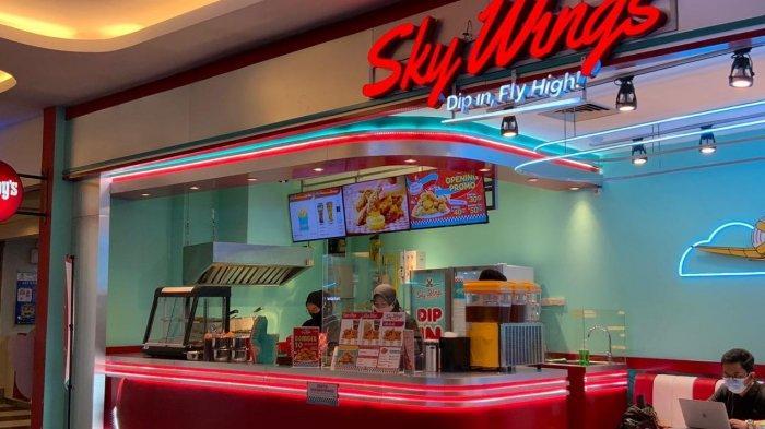 Sky Wings di area foodcourt Trans Studio Mall, Jalan Gatot Subroto No 289, Bandung.