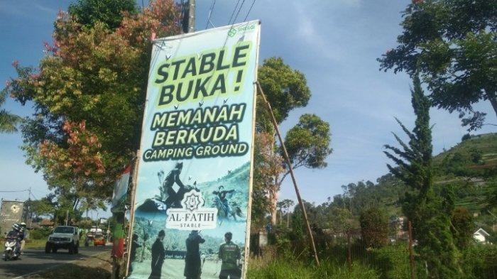 Al Fatih Stable di Jalan Raya Tangkuban Parahu, Kecamatan Lembang, Kabupaten Bandung Barat