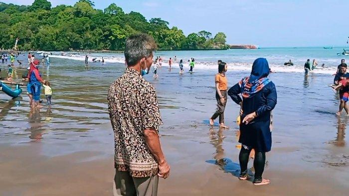 Suasana Pantai Barat pasca dibukanya objek wisata di Kabupaten Pangandaran