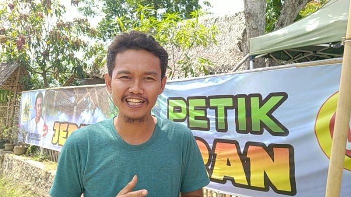 Taufiqurrohman, pengelola Agrowisata Petik Jeruk Segeran di Kecamatan Juntinyuat, Kabupaten Indramayu
