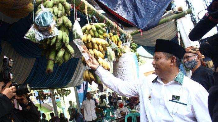 Wakil Gubernur Jawa Barat, Uu Ruzhanul Ulum, meresmikan Desa Karedok di Kecamatan Jatigede, Sumedang, sebagai Desa Wisata, Kamis (8/4/2021)