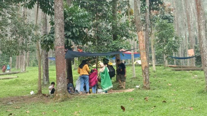 Suasana Wana Wisata Batukuda di Kampung Cikoneng, Cibiru Wetan, Kabupaten Bandung, saat libur lebaran, Minggu (16/5/2021)