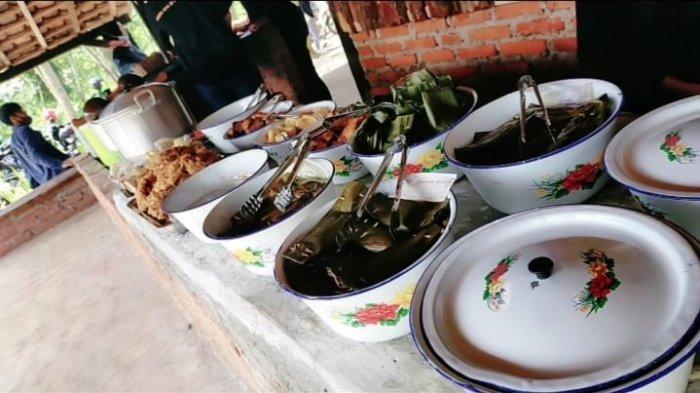 Warung Makan Berkonsep Tradisional Kian Digemari Masyarakat, Bupati Kuningan Ikut Meresmikan