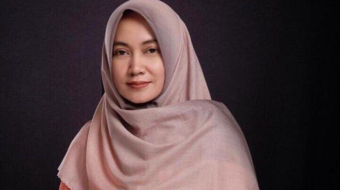 Ardhina Merancang Hijab 4 In 1, Ingin Membangun Mimpi Bersama Anak-anak Muda yang Kreatif