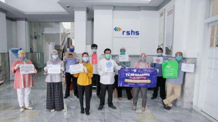 AXA Mandiri dan AXA Kirim APD untuk Tenaga Kesehatan di Tiga Rumah Sakit