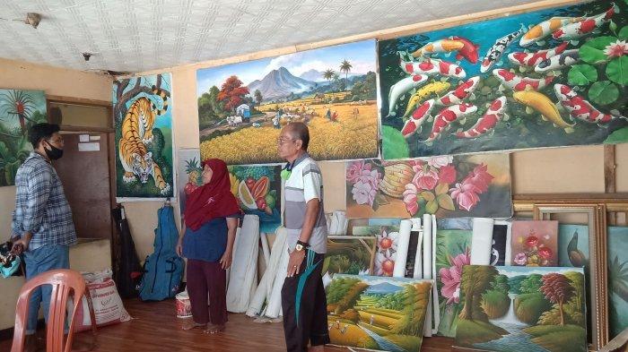 Galeri lukis milik Odang (71) di Kelurahan Jelekong, Kecamatan Baleendah, Kabupaten Bandung.