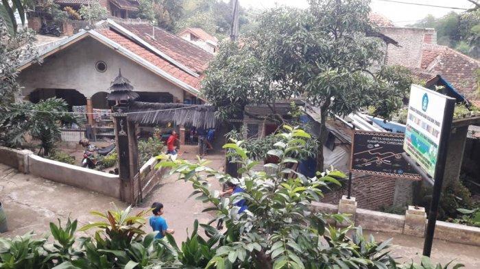 Suasana di Kampung Adat Cirendeu, Cimahi