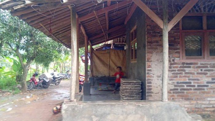 Kampung Balemalang di Desa Balagedog, Kecamatan Sindangwangi, Kabupaten Majalengka.