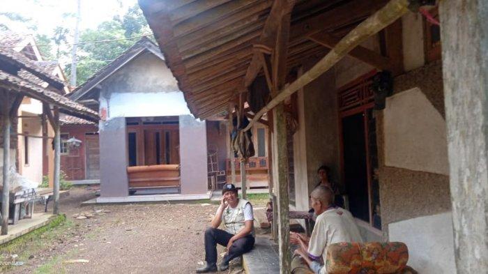 Suasana Kampung Balemalang di Desa Balagedog, Kecamatan Sindangwangi, Kabupaten Majalengka.