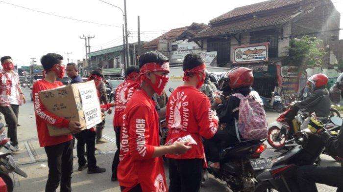 Seafood Kiloan Bang Bopak Bagikan 1000 Masker Gratis di Gerai ke-8 Cabang Bojongsoang