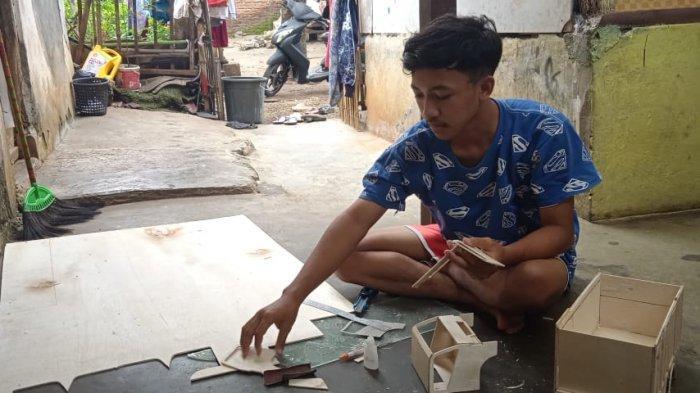 Selama Belajar di Rumah Syamsul Hasilkan Pundi-pundi Rupiah dari Membuat Miniatur Truk