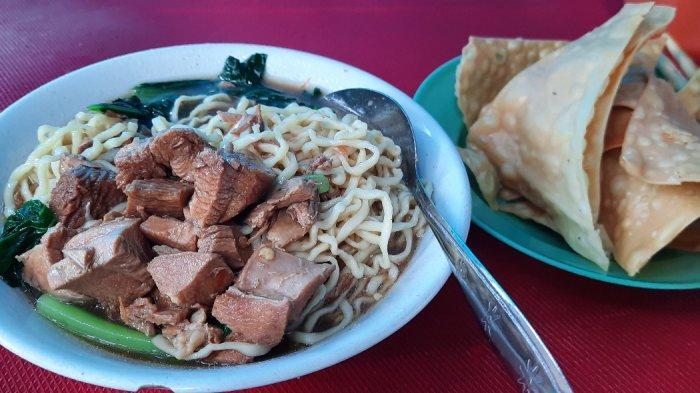 Mie Ayam Pak Gepeng, kuliner legendaris di Pondok Indah sejak 1985 dan jadi langganan konglomerat