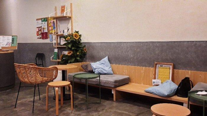 Sunyi House of Coffee and Hope, tak hanya menawarkan kopi enak, di sini Anda bisa menikmati pengalaman baru bersama dengan teman-teman disabilitas.