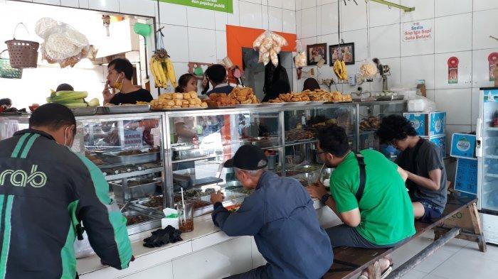 Warteg Warmo Legendaris Sejak 1969 di Tebet Jakarta Selatan