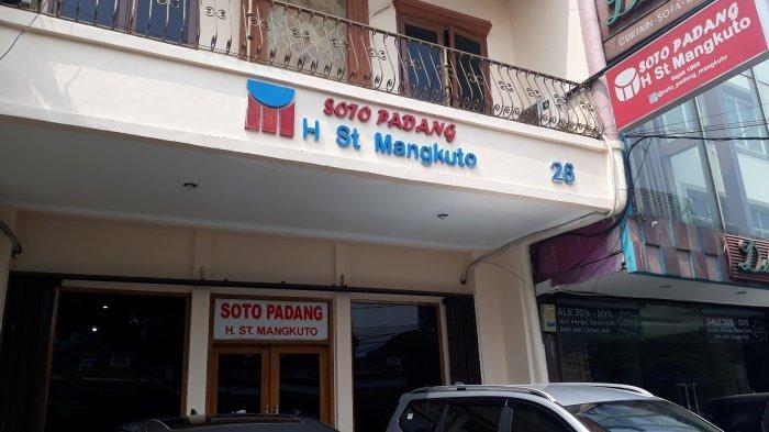 Suasana Restoran Soto Padang H Sutan Mangkuto di Jalan Pintu Air Raya, Pasar Baru, Jakarta Pusat pada Selasa (21/7/2020).