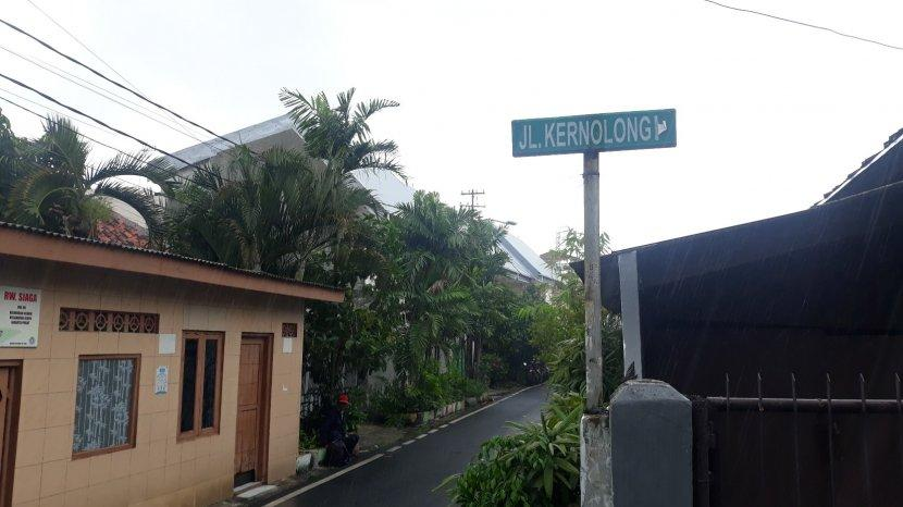 jalan-kernolong-i-yang-berdekatan-dengan-jalan-kramat-iv-kelurahan-kenari.jpg