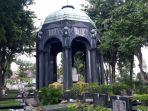 bangunan-mausoleum-terdapat-makam-og-khouw.jpg