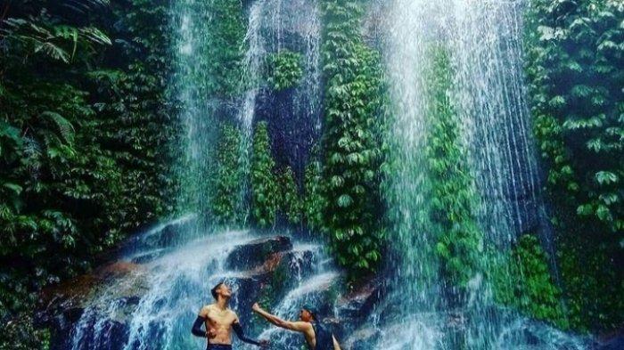 Rasakan Sensasi Dinginnya Air Terjun Lembah Khayangan, Surganya TNKS di Kerinci