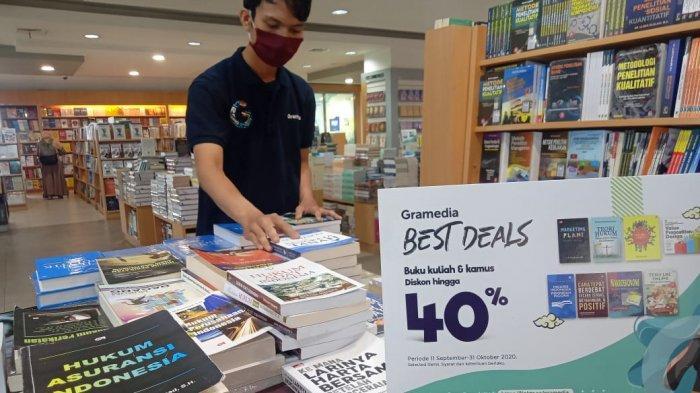 Toko Buku Gramedia memberikan potongan harga