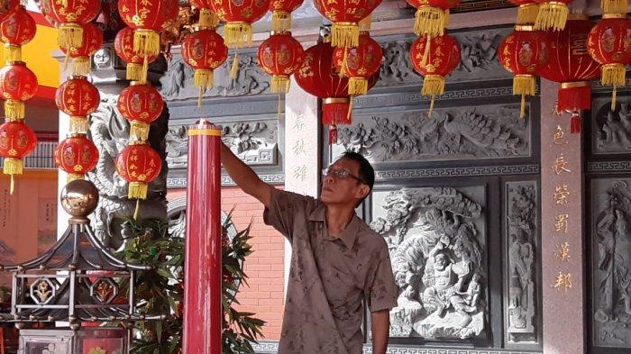 Kelenteng Leng Chun Keng Bersiap Menyambut Imlek - persiapan-imlek-di-kelenteng-leng-chun-keng.jpg