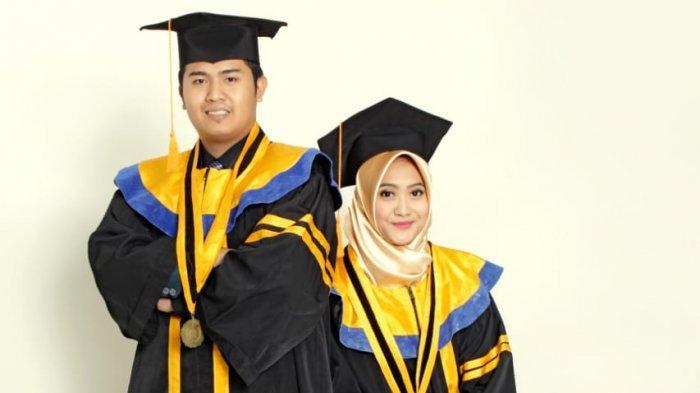 Ahmad Fikri Aiman bersama istri