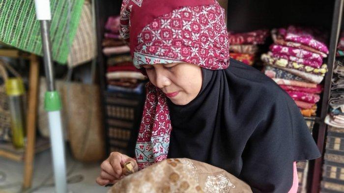 Batik Rindani, Sudah Lahirkan Puluhan Motif Batik, Tiap Motif Hanya Poduksi Beberapa Helai