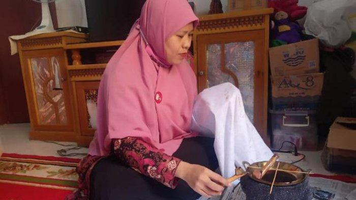 Kisah Sukses Deti Herawati, Penyandang Disabilitas Yang Sukses Menjadi Pelaku UMKM