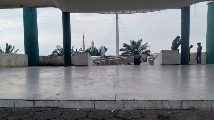 Kawasan Pintu Masuk Jembatan Gentala Arasy Sekarang Bebas dari Pedagang Kaki Lima