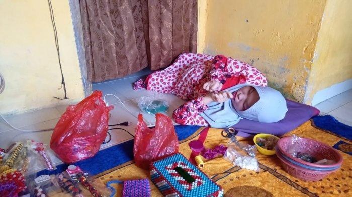 Walau Seorang Disabilitas, Rita Yana Tetap Semangat Untuk Produksi Souvenir Untuk Kawinan