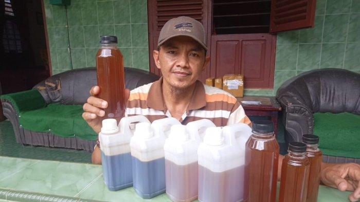 Heru Susanto, agen madu hutan di Jambi