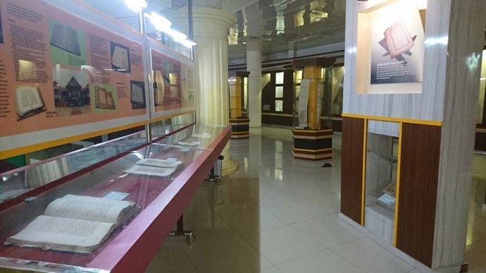 Suasana di dalam Museum Gentala Arasy, Kota Jambi.