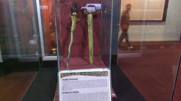 Koleksi yang ada di Museum Siginjai Jambi