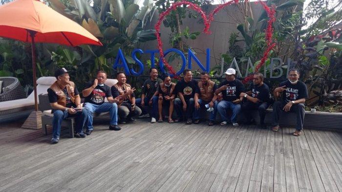 Komunitas pemilik Mobil Pajero Sport Pajero Indonesia Family (PIF) mampir ke Kota Jambi