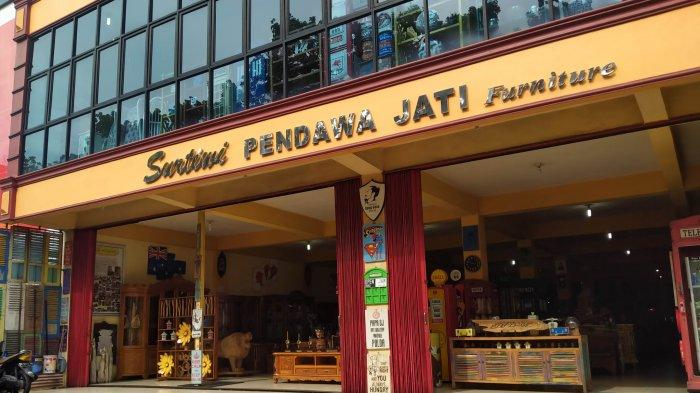 Surtiwi Pendawa Jati & Art Gallery Surganya Pecinta Barang Vintage
