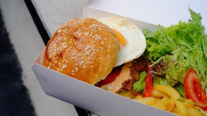 Artotel Gajahmada Semarang tawarkan olahan kuliner cita rasa bintang lima harga kaki lima untuk bisa pesan bawa pulang maupun pesan antar.
